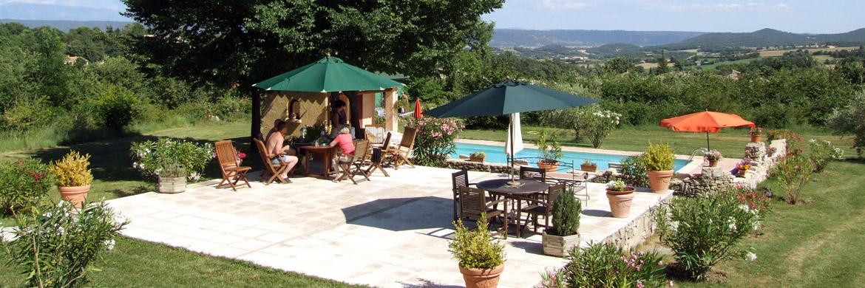 location charme avec piscine haute provence